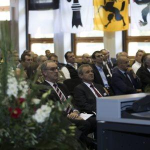 Le Conseiller fédéral Guy Parmelin et le directeur de l'OFPP Benno Bühlmann assistent à l'inauguration.