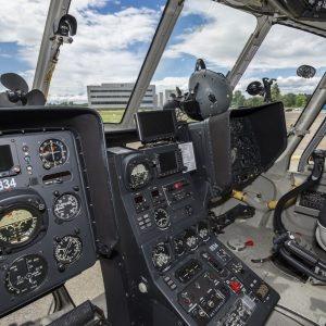 Intérieur de l'hélicoptère tchèque.