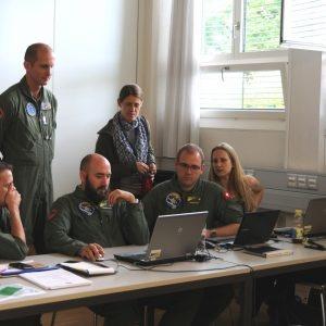 L'équipe de mesure suisse analyse les données relevées.