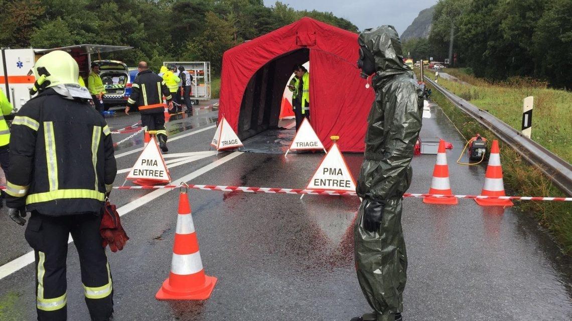 Das Übungsszenario sah einen Unfall mit einem Lastwagen auf dem Südareal der Siegfried Evionnaz AG vor.