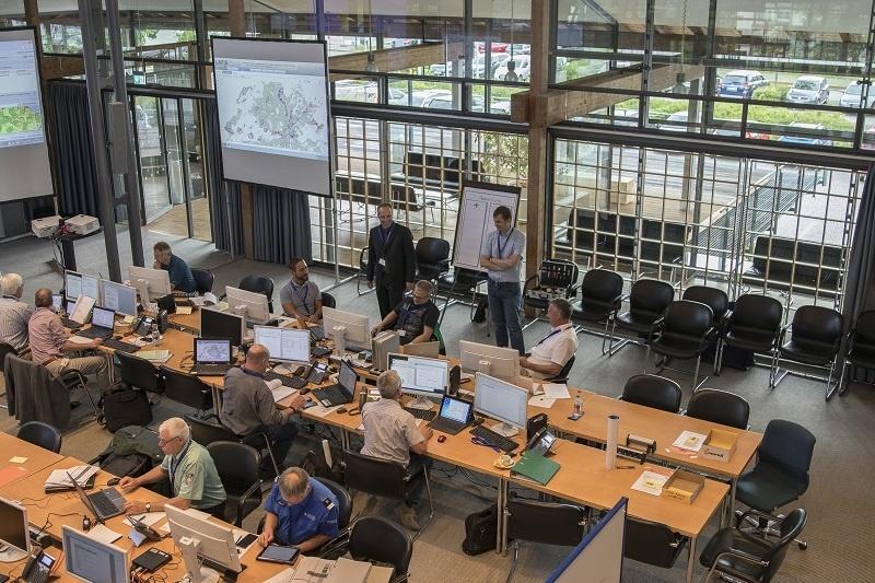 Die Übungsleitung im grossen Sitzungssaal des Landratsamtes Schwarzwald-Baar-Kreis