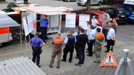 Hier ist die mobile Einsatzzentrale der Knatonspolizei Bern abgebildet