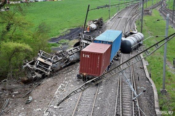 Un train déraillé