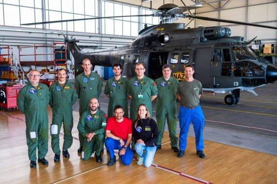 L'équipe d'aéroradiométrie avec Cristina Poretti, Section Intervention radioactivité, Centrale nationale d'alarme.