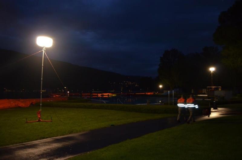 Auch in der Nacht sind die Zivilschützer der ZSO NIDAU plus im Einsatz und führen Kontrollgänge durch.