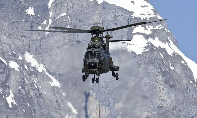 meteor schlägt neben militärstützpunkt ein air force