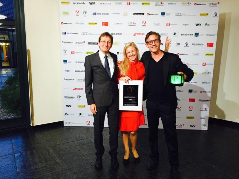 Kurt Münger, Carmen Ruckli (BABS) und Timo Wäschle (Corpmedia) nahmen die Auszeichnung entgegen.